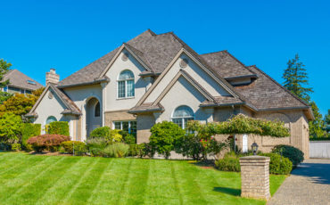 Metal Roofing vs. Asphalt Shingles: Understanding the Pros and Cons
